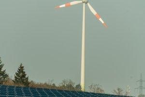Regenerative Energie: Photovoltaik und Windenergie