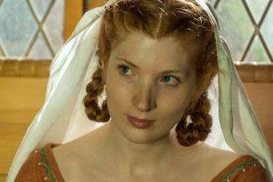 """Claudia Funke in """"Lebendiges Mittelalter ‒ Die neue Burg"""" als Elisabeth"""